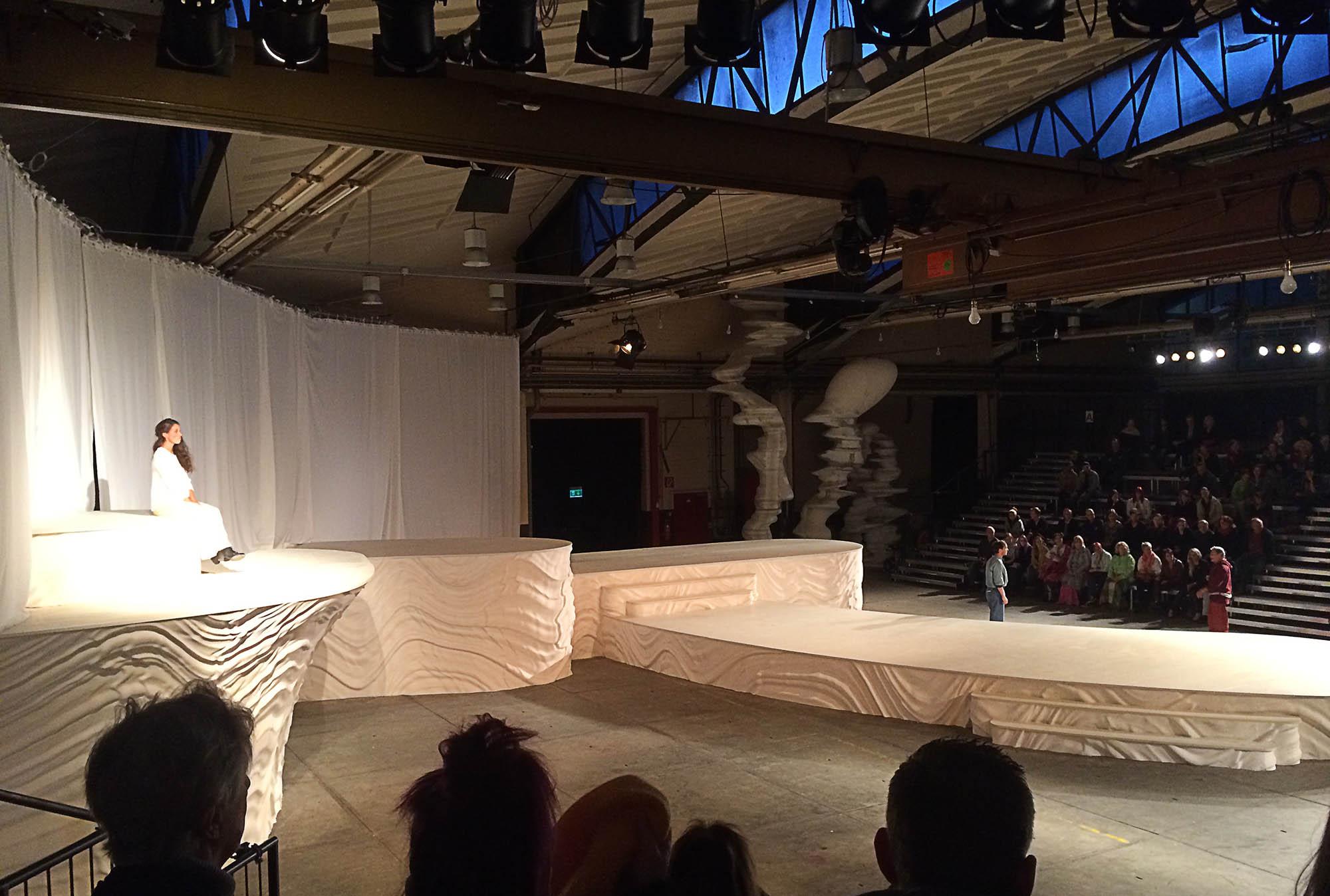 Romeo & Julia Bühne